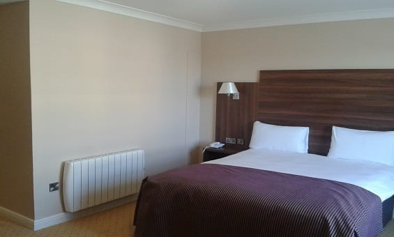 un Ray Plus Radiators Guestroom Dillons Hotel